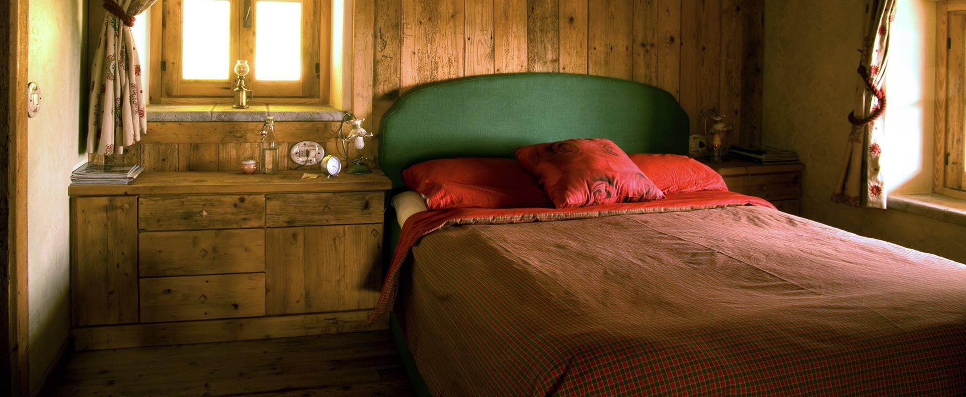 Arredamento camera da letto in legno sergio lazzaroni for Piani appartamento 1 camera da letto