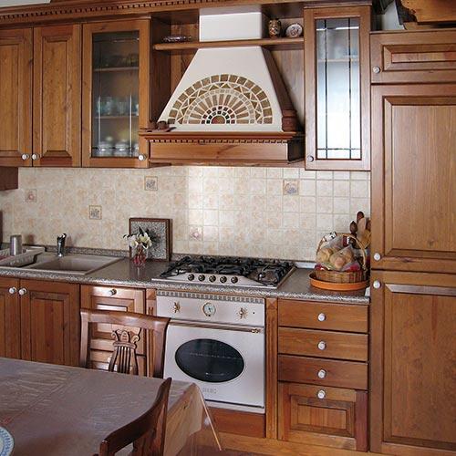 arredamenti sergio lazzaroni - arredamento interni ed artigianato ... - Cucine Tirolesi
