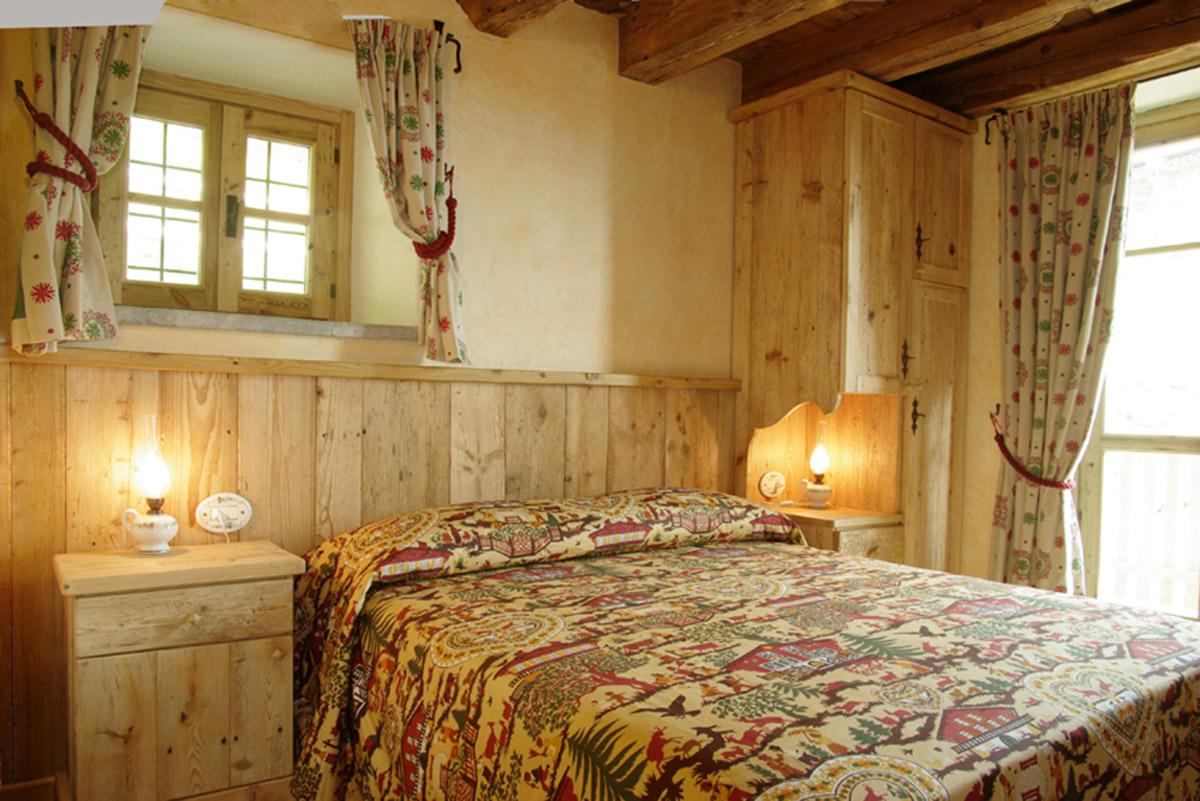 Arredamento camera da letto in legno sergio lazzaroni - Arredamenti camere da letto ...