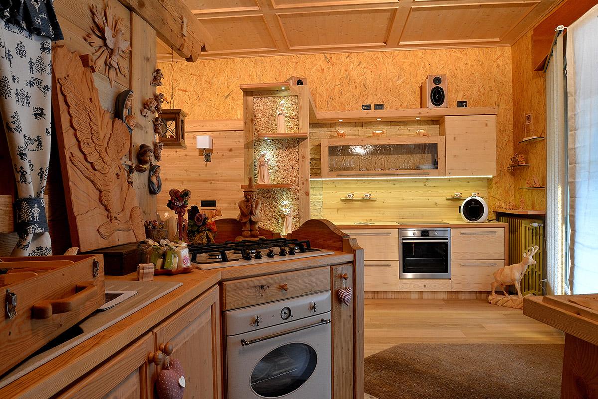 Arredamento cucina in legno sergio lazzaroni for Piani di casa in stile artigiano di montagna