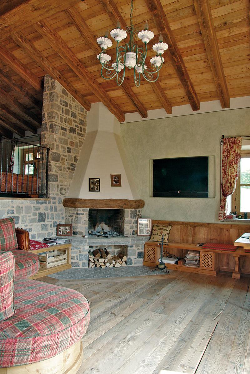 Arredamento soggiorno in legno sergio lazzaroni - Arredamenti sala da pranzo ...